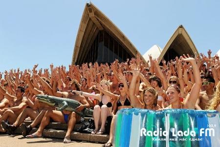 Парад купальників в Австраліії - рекорд Гінеса
