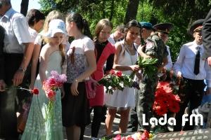 Близько 2,5 тисяч ладижинців взяли участь у святковій ході до Дня Перемоги