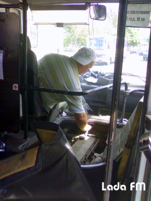 Автобус «Вінниця-Ладижин» обламався на трасі із пасажирами