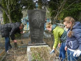 Про забуті могили пращурів пам'ятають юні гайсинчани