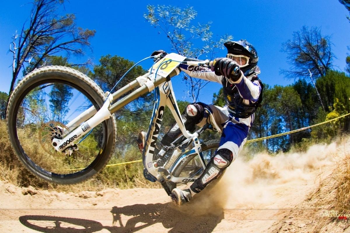 Кожен охочий має можливість показати свої здібності, взявши участь у аматорських велосипедних крос-кантрійних змаганнях «Вульки».