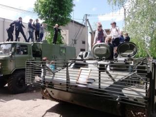У Гайсині до Дня Перемоги влаштували виставку військової техніки