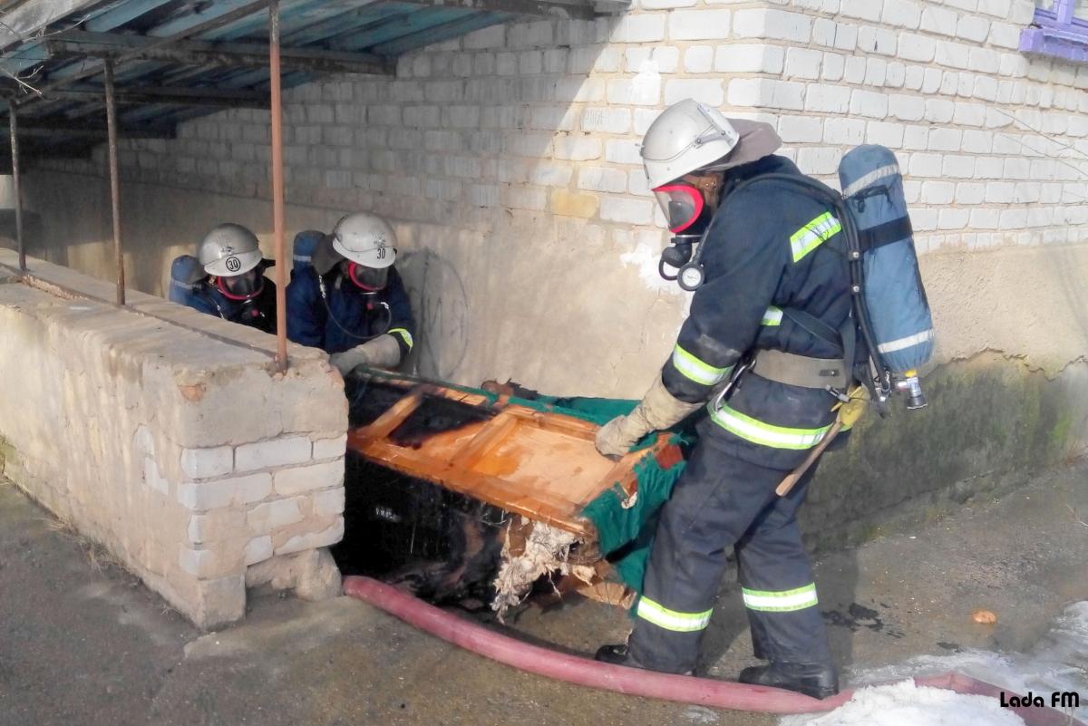 На Галицькій трапилася пожежа у житловому будинку