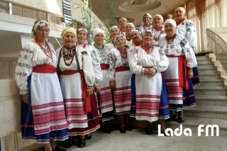Колектив «Родичі» з Ладижина виступив на всеукраїнському конкурсі автентичних колективів