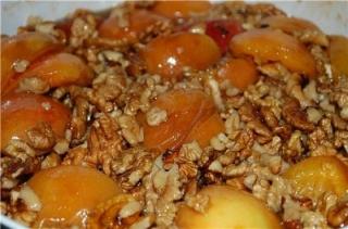 Консервуємо абрикоси - 5 оригінальних рецептів