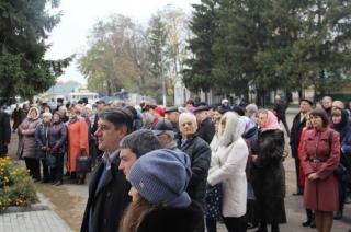 У Бершаді до Дня  української писемності та мови відкрили пам'ятний знак Тарасу Шевченку