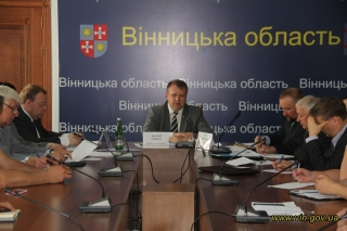 Обласна влада закликала місцеву роз'яснювати можливості об'єднання територіальних громад