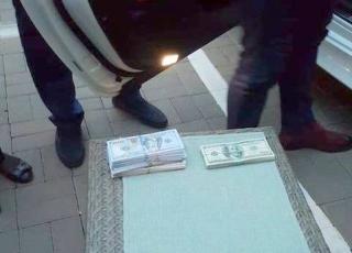 Нацполіція затримала голову Громадської ради при управлінні ДФС України у Києві за вимагання понад 2 мільйона гривень хабара