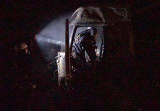 На об`їздній дорозі біля Ладижина згоріла автівка Volvo